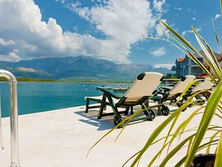 BEACHFRONT - Nice apartment with private beach
