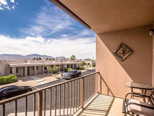 3BR/ 2BA (Townhouse near the casinos/river/Lake Mohave +  THEATER ROOM