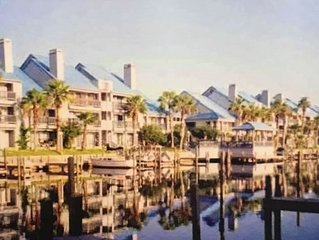 Beatiful waterfron condo with an easy acces to Laguna Madre and Schillerbahn.