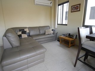 Townhouse on the River with 3 bedrooms and 3 bathrooms sleeps 7 max.