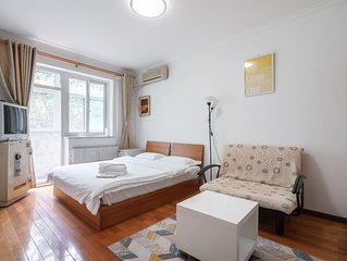 Dongzhimen Apartment , in city center, 100m to Airport express and subway L2/13