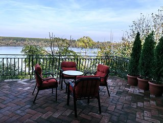 Gardosh Panorama offers  accommodation in Belgrade with best Danube river view