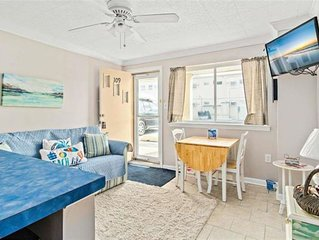 Beautiful 1 Bedroom  Condo one block from the beach! seasonal rental available