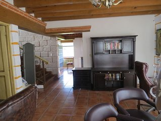 Beautiful Big Residence Colonial, construction colonial, great vineyards close