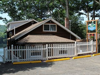 Cooperstown Baseball Rentals - Ballpark Holiday - Waterfront location with hot t