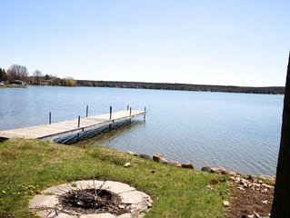 Lakefront Cedar Haven - Free use of Canoe and Kayak, 1 hr from Toronto, All Seas
