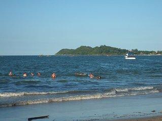 Casa de Praia Nova a 550 metros da praia e 200 metros do Beto Carrero World.