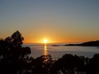 BAY OF FIRES SEACHANGE Waterfront at Binalong Bay, Bay of Fires Tasmania