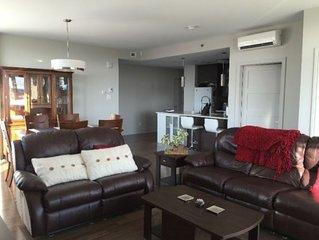 Magnifique condo de luxe situé au coeur de Laval (Centropolis)