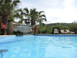 Belíssima casa familiar - Alto Padrão / piscina aquecida / campo futebol..