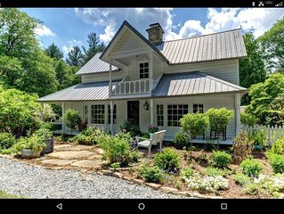 Private Paradise! Farmhouse with Horses, Apple orchard, Secret beach on creek!