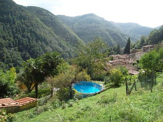 'The Palms' is an escape into tranquillity of Tuscany