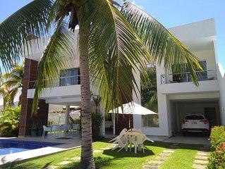 Excelente casa - 05 suites com ar condicionado,  piscina e churrasqueira