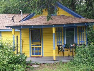 1930's 1 bed guest cottage updated but with charm
