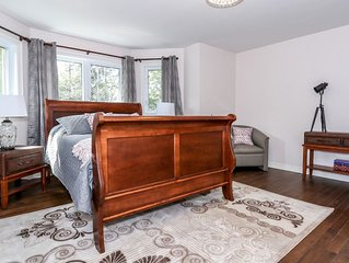 *HIGH END* Brand new, 2bed 2.5bath, Great Barrie Location