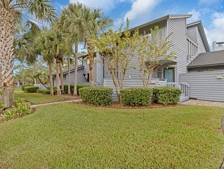 New Listing!! Beautiful Golf Course Views from this Sawgrass condo