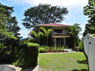 Villa Cristal-Breathtaking Views of Pacific Coast, Onsite Staff, Gated Community