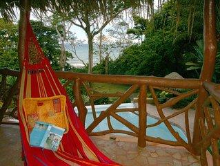 Villa Casa Bonita has it all-Walk to beach/Pool/Jungle/Privacy/WiFi/Concierge