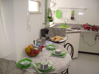 Confortavel quarto e sala proximo a Praca general Osorio em Ipanema