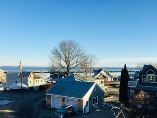 Walk to beach, quiet neighborhood, dog friendly, winter rates