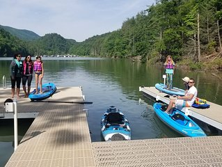 FAMILY FUN, Sunny Lake Front Home  Private Dock  Water Toys WiFi & Cell service