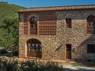 Villa Pergolone - Country House with Pool & Garden close to Lucca and Beaches