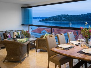 Luxury Spacious Seaside 2 Bedrooms  Apartment 25 min. from Split Airport.