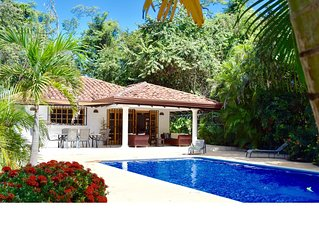 Casa Bonita - beautiful beach house with  4 beds and large pool