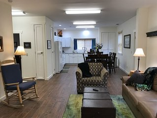 Close to downtown Clayton! Sleeps up to 8. Weekly discount.