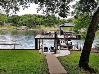 *NEWLY UPDATED!* LBJ Open Water Home w/ 2-level Dock & Rope Swing