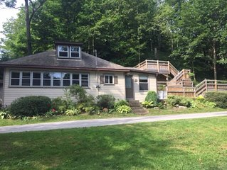 Gorgeous 3 bedroom Lakeview cottage