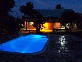 Chácara com piscina, Área Gourmet e churrasqueira. Casa toda equipada