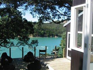 Stylish waterfront retreat - dramatic 180 degree views!