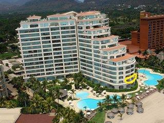 Bay View Grand Luxury Oceanfront Condo 3,455