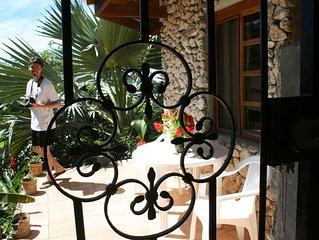VILLAS CASA LOMA (Suite 302) FLAMINGO BEACH'S BEST KEPT SECRET FOR OVER 30 YEARS