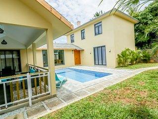 Beautiful villa for 6 person with swimming pool in pointe aux canonnier grandbay