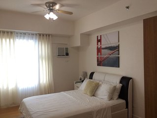 15 day min Stylish Contemporary studio at 8adriatico condo
