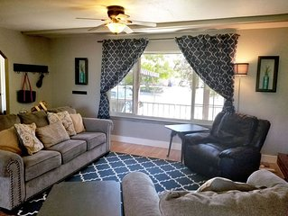 Retreat at Adventure's Edge. Sleeps 8, fire pit and patio with king sized bed.