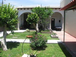 La Hacienda, small apartment with beautiful garden.