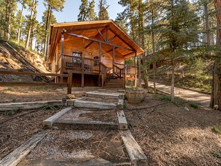 'Hidden Escape' cabin-seclusion and tranquility among the tall pines of Ruidoso'