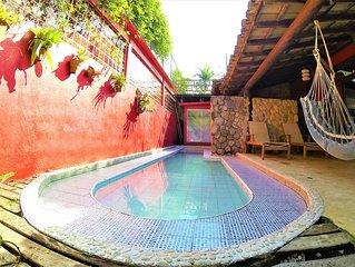 Próxima ao mar casa com 7 quartos, wi-fi,piscina e sauna