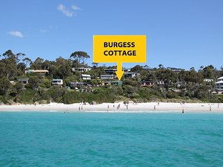 BURGESS COTTAGE Beachfront at Bay of Fires next door to Merestä Eatery
