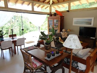 Linda casa, 3 suites, decks integrados à floresta em cond. de luxo em SECRETÁRIO