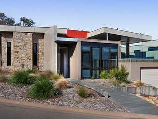 Moonah Retreat - stunning holiday house on the Moonah Links Golf Course!