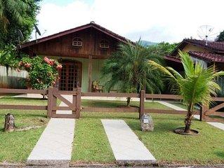 Casa em condomínio fechado na para da Mococa - Caraguatatuba