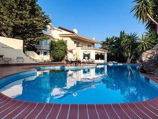 Lagonisi luxury villa