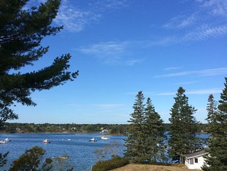 The Pine Cottage. On Bass Harbor. Close to Lighthouse. Quaint. Cozy. 4 - 7 nts.