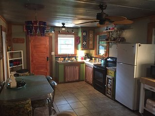 Waterfront Cabin! Priced to rent! Lots of  Reviews! Fishermen's paradise!