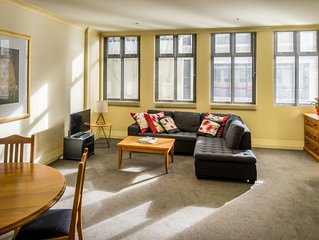 Stylish Apartment In The Heart Of The CBD