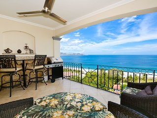 Charming Condo With Spectacular Ocean Views / walking distance to the beach